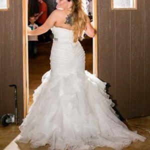 Mermaid fitted wedding dress